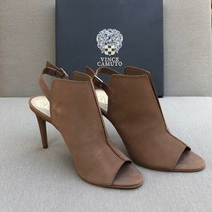NWT Vince Camuto Catina Suede Mule Pump